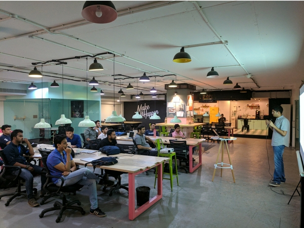 Time To Shift In A Trendy Coworking Space Just For Your Business